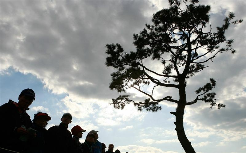 INCHEON, SOUTH KOREA - OCTOBER 31:  Spectators look on during day three of the 2010 LPGA Hana Bank Championship at Sky 72 Golf Club on October 31, 2010 in Incheon, South Korea.  (Photo by Chung Sung-Jun/Getty Images)