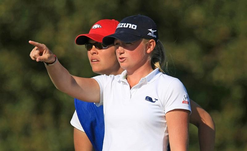 DAYTONA BEACH, FL - DECEMBER 06:  Stacy Lewis chats with her caddie Shauna Estes-Taylor on the 17th tee during the fourth round of the LPGA Qualifying School at LPGA International on December 6, 2008 in Daytona Beach, Florida.  (Photo by Scott Halleran/Getty Images)