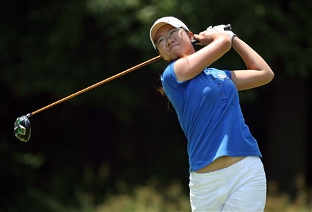 HAVRE DE GRACE, MD - JUNE 08:  Ji Young Oh of South Korea hits her tee shot on the 4th hole during the final round of the McDonald's LPGA Championship at Bulle Rock Golf Course on June 8, 2008 in Havre de Grace, Maryland.  (Photo by Andy Lyons/Getty Images)