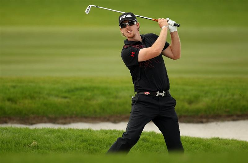 SHANGHAI, CHINA - NOVEMBER 04:  Hunter Mahan of the USA on the parf four 9th hole during the first round of the WGC - HSBC Champions at Sheshan International Golf Club on November 4, 2010 in Shanghai, China.  (Photo by Ross Kinnaird/Getty Images)