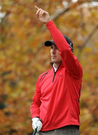THOUSAND OAKS, CA - DECEMBER 05:  Mike Weir of Canada reacts to his shot on the fifth hole during the third round of the Chevron World Challenge at Sherwood Country Club on December 5, 2009 in Thousand Oaks, California.  (Photo by Harry How/Getty Images)