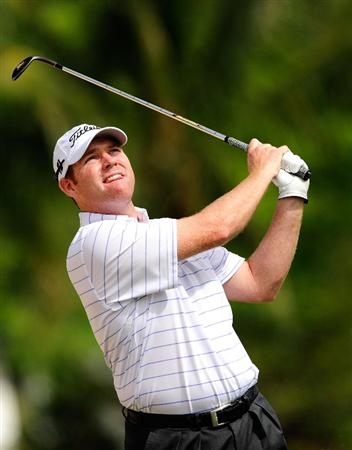 HONOLULU, HI - JANUARY 15:  Troy Matteson plays a shot on the 14th hole during the second round of the Sony Open at Waialae Country Club on January 15, 2010 in Honolulu, Hawaii.  (Photo by Sam Greenwood/Getty Images)