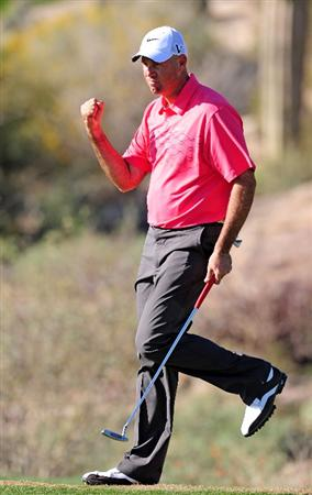 MARANA, AZ - FEBRUARY 19:  Stewart Cink celebrates his putt on the 18th hole during round three of the Accenture Match Play Championship at the Ritz-Carlton Golf Club on February 19, 2010 in Marana, Arizona.  (Photo by Stuart Franklin/Getty Images)