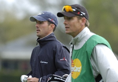 Mike Weir leaves the 11th tee  as second-day play resumes in  the first round of the Bay Hill Invitational March 18, 2005 in Orlando.