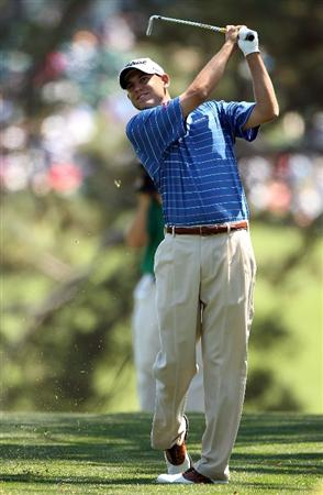 AUGUSTA, GA - APRIL 11:  Bill Haas hits a shot on the first hole during the final round of the 2010 Masters Tournament at Augusta National Golf Club on April 11, 2010 in Augusta, Georgia.  (Photo by Andrew Redington/Getty Images)
