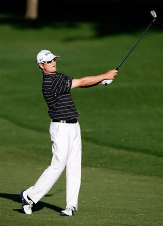 HONOLULU - JANUARY 17:  Zach Johnson hits a shot on the 16th hole during the third round of the Sony Open at Waialae Country Club on January 17, 2009 in Honolulu, Hawaii.  (Photo by Sam Greenwood/Getty Images)