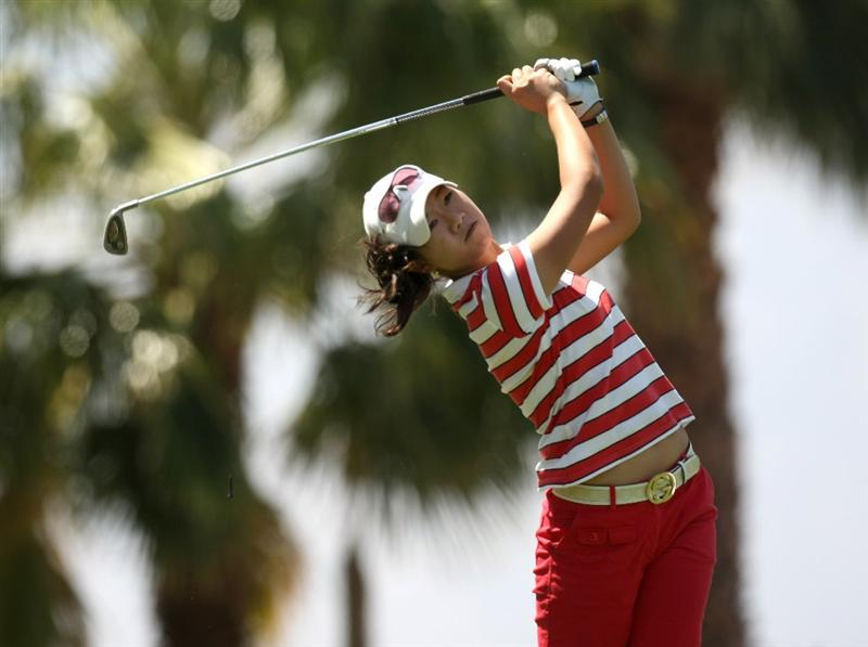 RANCHO MIRAGE, CA - APRIL 02:   Ji Young Oh of South Korea hits her tee shot on the eighth hole during the first round of the Kraft Nabisco Championship at Mission Hills Country Club on April 2, 2009 in Rancho Mirage, California.  (Photo by Stephen Dunn/Getty Images)
