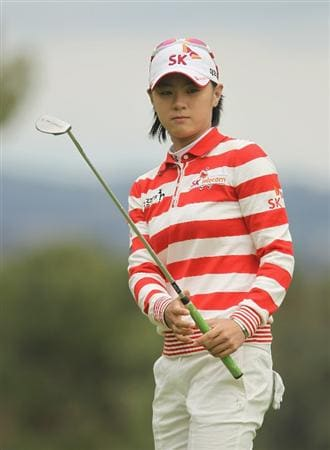 CITY OF INDUSTRY, CA - MARCH 27:  Na Yeon Choi of South Korea watches a putt on the seventh green during the final round of the Kia Classic on March 27, 2011 at the Industry Hills Golf Club in the City of Industry, California.  (Photo by Scott Halleran/Getty Images)