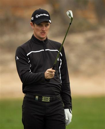 DOHA, QATAR - JANUARY 23:  Justin Rose of England on the 12th fairway during the second round of the Commercialbank Qatar Masters at the Doha Golf Club on January 23, 2009 in Doha, Qatar.  (Photo by Ross Kinnaird/Getty Images)