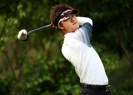 SHENZHEN, CHINA - NOVEMBER 22:  Seung-Ho Lee of Korea tee's off at the 4th during the first round of the Omega Mission Hills World Cup at the Mission Hills Resort on 22 November 2007 in Shenzhen, China.  (Photo by Richard Heathcote/Getty Images)
