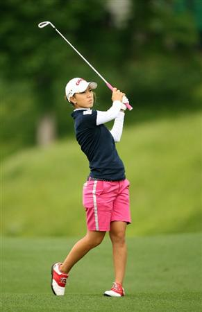 WILLIAMSBURG, VA : Momoko Ueda of Japan hits her third shot on the 18th hole during the first round of the Michelob Ultra Open at Kingsmill Resort on May 7, 2009 in Williamsburg, Va. (Photo by Hunter Martin/Getty Images)