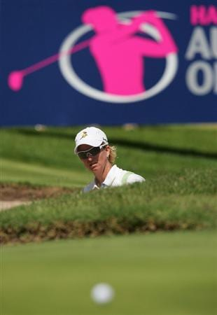 MELBOURNE, AUSTRALIA - MARCH 14:  Karrie Webb of Australia plays a shot out of a bunker on the 9th hole during the final round of the 2010 Women's Australian Open at The Commonwealth Golf Club on March 14, 2010 in Melbourne, Australia.  (Photo by Scott Barbour/Getty Images)