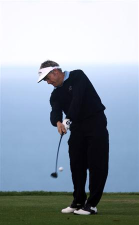 LA JOLLA, CA - FEBRUARY 05:  Stuart Appleby of Australia tees off during the 1st Round of the Buick Invitational at the Torrey Pines North Course on February 5, 2009 in La Jolla, California. (Photo by Donald Miralle/Getty Images)