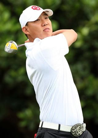 KAPALUA, HI - JANUARY 08:  Anthony Kim plays a shot during the first round of the Mercedes-Benz Championship at the Plantation Course on January 8, 2009 in Kapalua, Maui, Hawaii.  (Photo by Sam Greenwood/Getty Images)