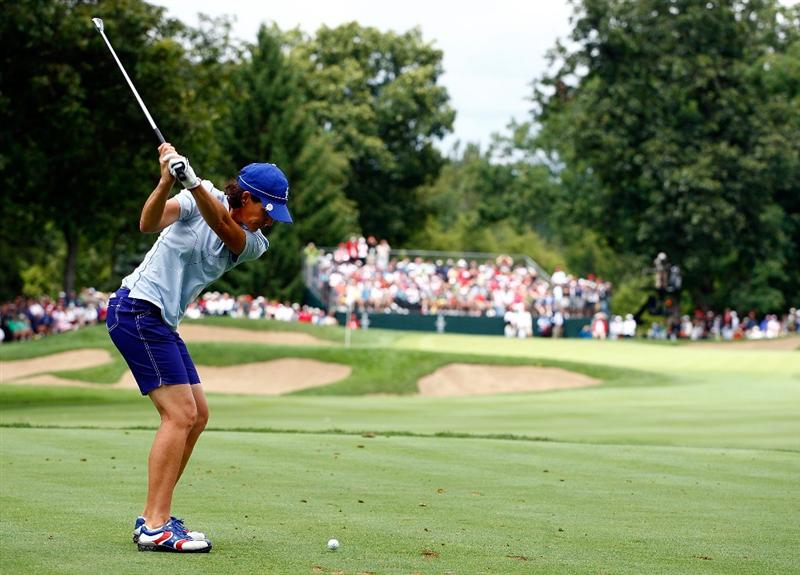 SUGAR GROVE, IL - AUGUST 21:  Juli Inkster of the U.S. Team hits her tee shot on the 13th hole during the friday morning fourball matches at the 2009 Solheim Cup at Rich Harvest Farms on August 21, 2009 in Sugar Grove, Illinois.  (Photo by Scott Halleran/Getty Images)