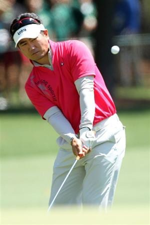 AUGUSTA, GA - APRIL 09:  Y.E. Yang of South Korea chips the ball to the first green during the second round of the 2010 Masters Tournament at Augusta National Golf Club on April 9, 2010 in Augusta, Georgia.  (Photo by Andrew Redington/Getty Images)