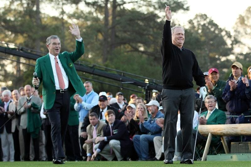 AUGUSTA, GA - APRIL 07:  Jack Nicklaus watches the ceremonial first tee shot as William Porter Payne looks on to start the first round of the 2011 Masters Tournament at Augusta National Golf Club on April 7, 2011 in Augusta, Georgia.  (Photo by Andrew Redington/Getty Images)