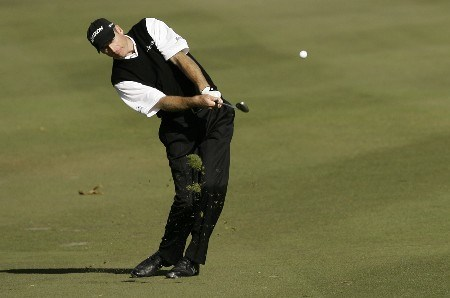 THOUSAND OAKS, CA - DECEMBER 14:  Jim Furyk hits his approach shot on the fifth hole during the second round of the Target World Challenge at the Sherwood Country Club on December 14, 2007 in Thousand Oaks, California.  (Photo by Danny Moloshok/Getty Images)