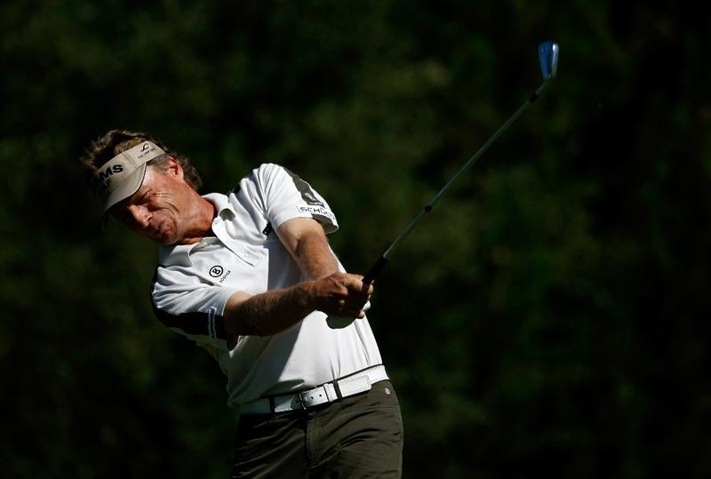 SUNRIVER, OR - AUGUST 21:  Bernhard Langer of Germany tees off on the 7th hole during the second round of the Jeld-Wen Tradition on August 21, 2009 at Crosswater Club at Sunriver Resort in Sunriver, Oregon.  (Photo by Jonathan Ferrey/Getty Images)