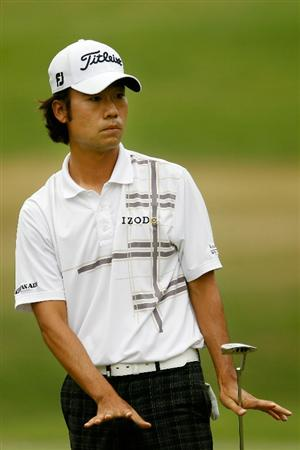 ATLANTA - SEPTEMBER 26:  Kevin Na reacts to his putt on the second green during the final round of THE TOUR Championship presented by Coca-Cola at East Lake Golf Club on September 26, 2010 in Atlanta, Georgia.  (Photo by Scott Halleran/Getty Images)