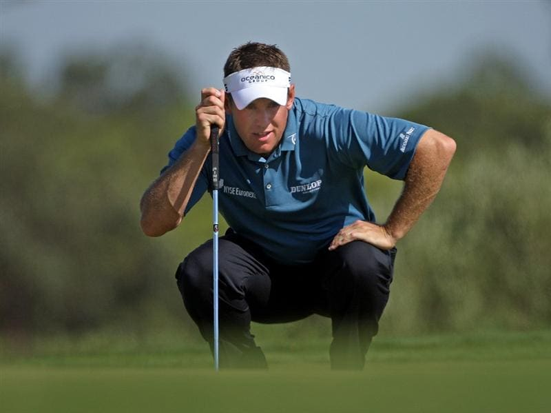 VILAMOURA, PORTUGAL - OCTOBER 15:  Lee Westwood of England lines up a putt on the eighth hole during the first round of the Portugal Masters at the Oceanico Victoria Golf Course on October 15, 2009 in Vilamoura, Portugal.  (Photo by Andrew Redington/Getty Images)