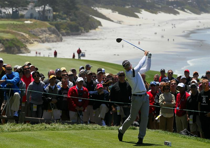 PEBBLE BEACH, CA - JUNE 17:  Henrik Stenson of Sweden hits his tee shot on the 14th hole during the first round of the 110th U.S. Open at Pebble Beach Golf Links on June 17, 2010 in Pebble Beach, California.  (Photo by Stephen Dunn/Getty Images)