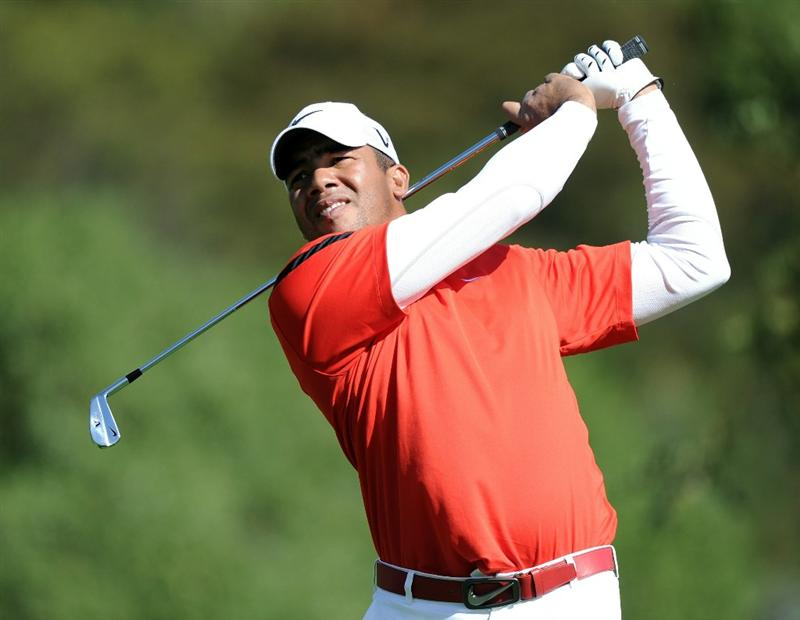 PACIFIC PALISADES, CA - FEBRUARY 19:  Jhonattan Vegas of Venezuela hits his tee shot on the fourth hole during the third round of the Northern Trust Open at the Riviera Contry Club on February 19, 2011 in Pacific Palisades, California.  (Photo by Harry How/Getty Images)