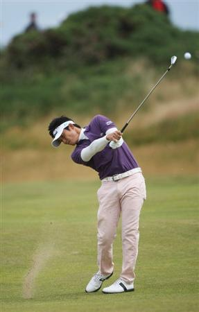 TURNBERRY, SCOTLAND - JULY 18:  Ryuji Imada of Japan hits an approach shot during round three of the 138th Open Championship on the Ailsa Course, Turnberry Golf Club on July 18, 2009 in Turnberry, Scotland.  (Photo by Andrew Redington/Getty Images)