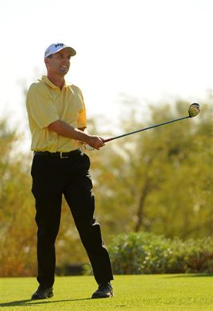 SCOTTSDALE AZ - OCTOBER 25: Kevin Sutherland watches his drive on the 17th hole  during the third round of  the Fry's.Com Open held at Grayhawk Golf Club on October 25, 2008 in Scottsdale, Arizona. (Photo by Marc Feldman/Getty Images)