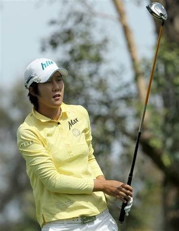RANCHO MIRAGE, CA - APRIL 03:  Song-Hee Kim of South Korea watches her tee shot on  the third hole during the third round of the Kraft Nabisco Championship at Mission Hills Country Club on April 3, 2010 in Rancho Mirage, California.  (Photo by Stephen Dunn/Getty Images)