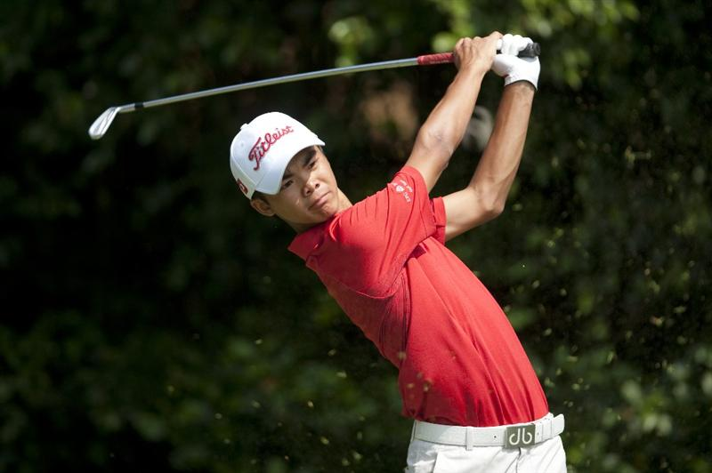 SHENZHEN, CHINA - NOVEMBER 01:  Steven Lam of Hong Kong tees off on the 5th hole during the final round of the Asian Amateur Championship at the Mission Hills Golf Club on November 1, 2009 in Shenzhen, Guangdong, China.  (Photo by Victor Fraile/Getty Images)
