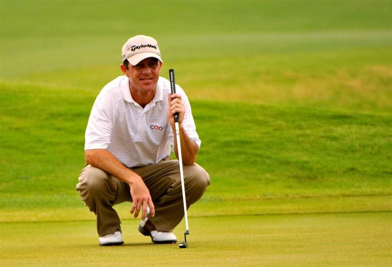 SAN ANTONIO, TX. - MAY 16: Jonathan Kaye lines up a birdie putt on the 16th green during the third round of the Valero Texas Open held at La Cantera Golf Club on May 16, 2009 in San Antonio, Texas.  (Photo by Marc Feldman/Getty Images)