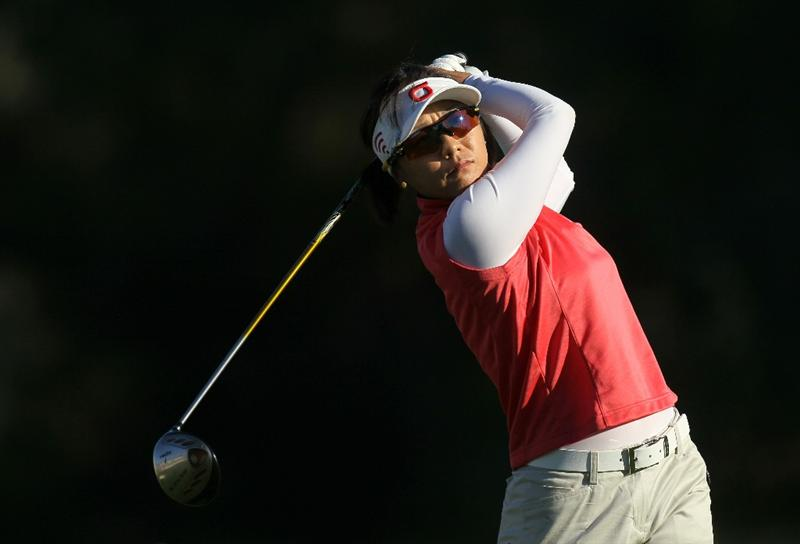 RANCHO MIRAGE, CA - APRIL 01:  Mi Hyun Kim of South Korea hits her tee shot on the second hole during the second round of the Kraft Nabisco Championship at Mission Hills Country Club on April 1, 2011 in Rancho Mirage, California.  (Photo by Stephen Dunn/Getty Images)