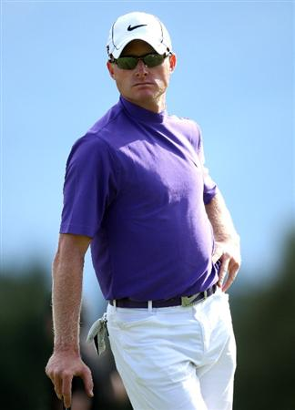 CRANS, SWITZERLAND - SEPTEMBER 03:  Simon Dyson of England waits to putt on the 17th hole during the first round of The Omega European Masters at Crans-Sur-Sierre Golf Club on September 3, 2009 in Crans Montana, Switzerland.  (Photo by Andrew Redington/Getty Images)