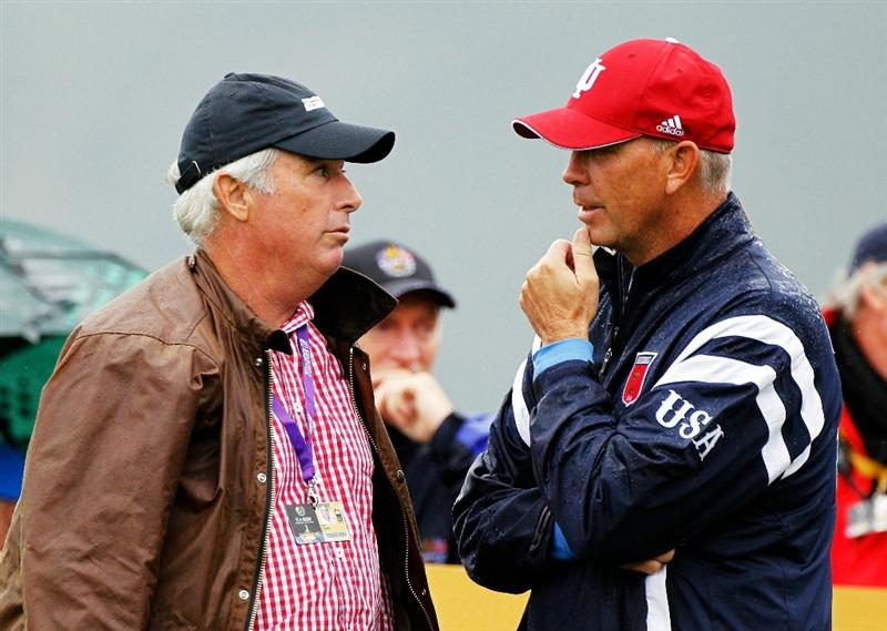 NEWPORT, WALES - SEPTEMBER 29:  Curtis Strange chats to Vice Captain Tom Lehman (R) during a practice round prior to the 2010 Ryder Cup at the Celtic Manor Resort on September 29, 2010 in Newport, Wales. (Photo by Sam Greenwood/Getty Images)