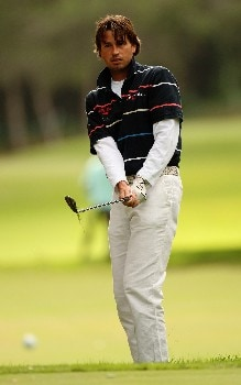 SOTOGRANDE, SPAIN - NOVEMBER 01:  Robert-Jan Derksen of Holland plays a chip shot during the first round of the Volvo Masters at the Valderrama Golf Club on November 1, 2007 in Sotogrande, Spain.  (Photo by Ross Kinnaird/Getty Images)