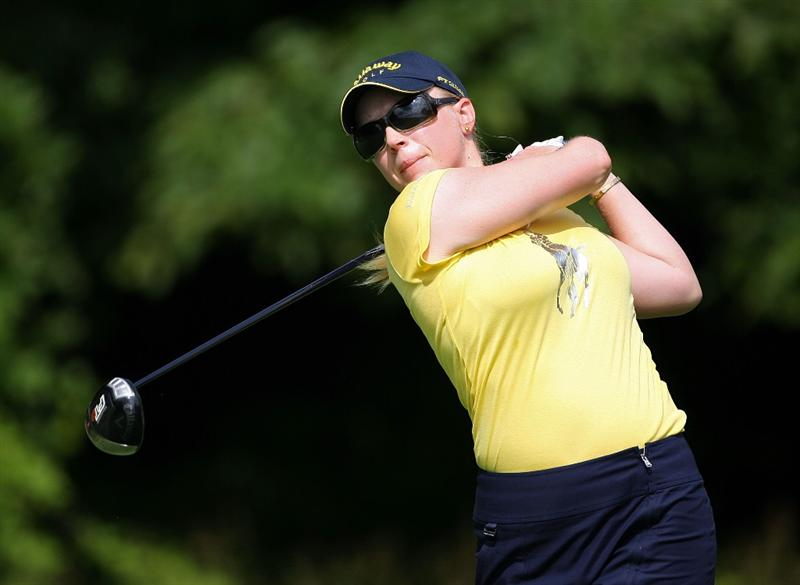HAVRE DE GRACE, MD - JUNE 12: Morgan Pressel hits her tee shot on the 4th hole during the second round of the McDonald's LPGA Championship at Bulle Rock Golf Course on June 12, 2009 in Havre de Grace, Maryland.  (Photo by Andy Lyons/Getty Images)