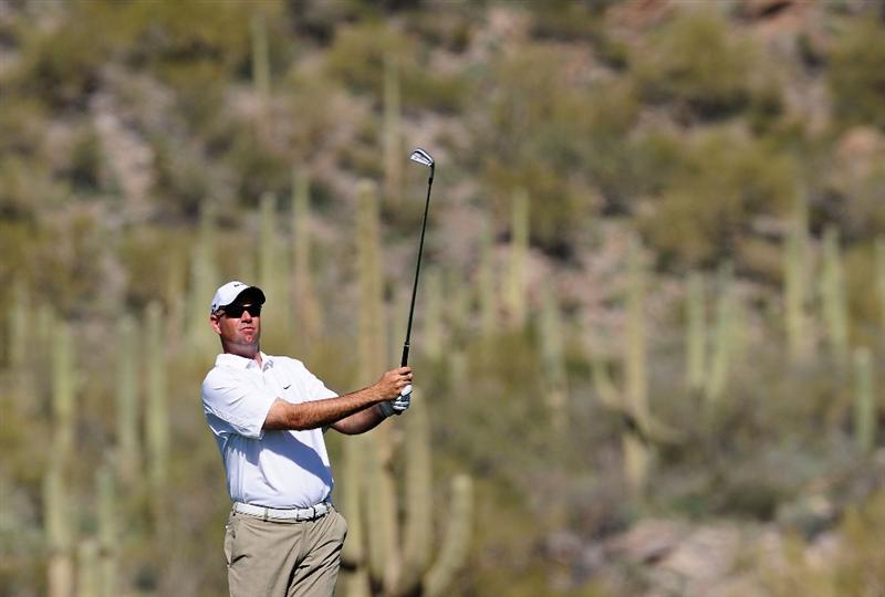 MARANA, AZ - FEBRUARY 16:  Stewart Cink hits a shot during the second practice round prior to the start of the Accenture Match Play Championship at the Ritz-Carlton Golf Club on February 16, 2010 in Marana, Arizona.  (Photo by Stuart Franklin/Getty Images)