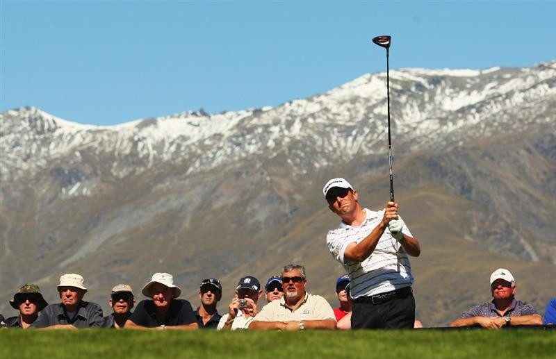 QUEENSTOWN, NEW ZEALAND - MARCH 14:  Jeff Gove of the USA tees off on the 1st hole during day three of the New Zealand Men's Open Championship at The Hills Golf Club on March 14, 2009 in Queenstown, New Zealand.  (Photo by Phil Walter/Getty Images)