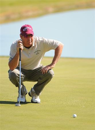 LAS VEGAS - OCTOBER 17: Rich Beem lines up a putt for birdie on the  18th hole during the second round of the Justin Timberlake Shriners Hospitals for Children Open held at the TPC Summerlin on Friday, October 17, 2008 in Las Vegas, Nevada. (Photo by Marc Feldman/Getty Images)