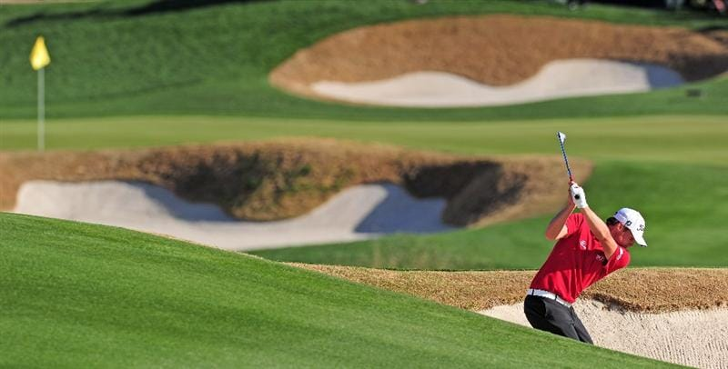 MARANA, AZ - FEBRUARY 19:  Nick Watney plays his bunker shot on the 18th hole during round three of the Accenture Match Play Championship at the Ritz-Carlton Golf Club on February 19, 2010 in Marana, Arizona.  (Photo by Stuart Franklin/Getty Images)