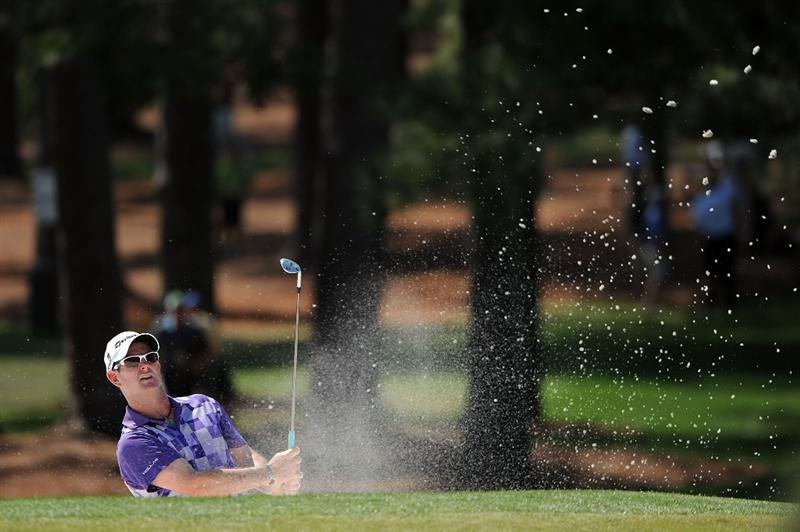 AUGUSTA, GA - APRIL 12:  Rory Sabbatini of South Africa hits from a bunker during the final round of the 2009 Masters Tournament at Augusta National Golf Club on April 12, 2009 in Augusta, Georgia.  (Photo by Harry How/Getty Images)