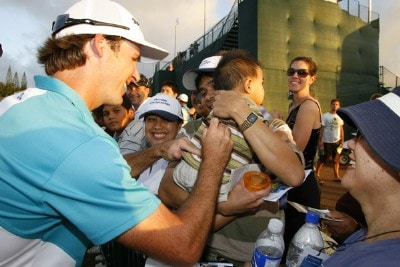 Will MacKenzie signs autographs for fans after third round of the Mercedes-Benz Championship held on the Plantation Course at Kapalua in Kapalua, Maui, Hawaii, on January 6, 2007. Photo by: Stan Badz/PGA TOURPhoto by: Stan Badz/PGA TOUR