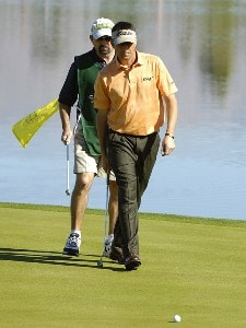 Billy Andrade follows his putt during the fourth round of the Bob Hope Chrysler Classic at The Classic Club, Jan. 21, 2006 in Palm Desert, California.Photo by Marc Feldman/WireImage.com