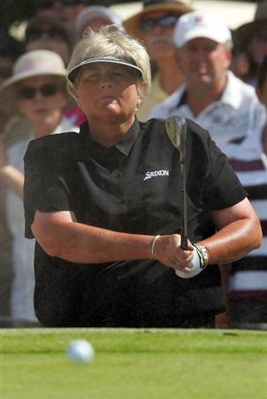 MELBOURNE, AUSTRALIA - MARCH 14:  Laura Davies of England plays out of a bunker on the 13th hole during the final round of the 2010 Women's Australian Open at The Commonwealth Golf Club on March 14, 2010 in Melbourne, Australia.  (Photo by Scott Barbour/Getty Images)