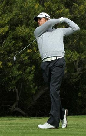 PACIFIC PALISADES, CA - FEBRUARY 19:  Aaron Baddeley of Australia hits his tee shot on the fourth hole during round three of the Northern Trust Open at Riviera Country Club on February 19, 2011 in Pacific Palisades, California.  (Photo by Stephen Dunn/Getty Images)