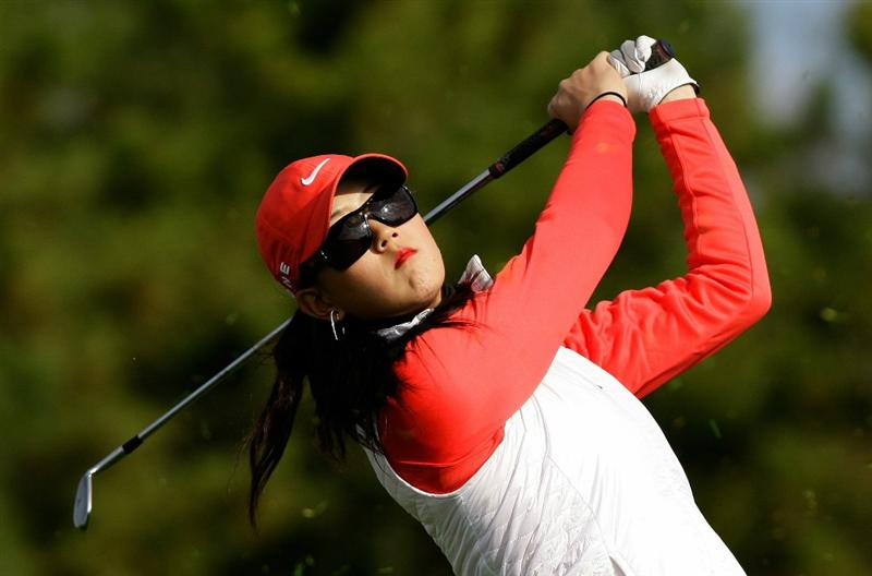 INCHEON, SOUTH KOREA - OCTOBER 31:  Michelle Wie of United States hits a tee shot on the 3rd hole during the 2010 LPGA Hana Bank Championship at Sky 72 Golf Club on October 31, 2010 in Incheon, South Korea.  (Photo by Chung Sung-Jun/Getty Images)