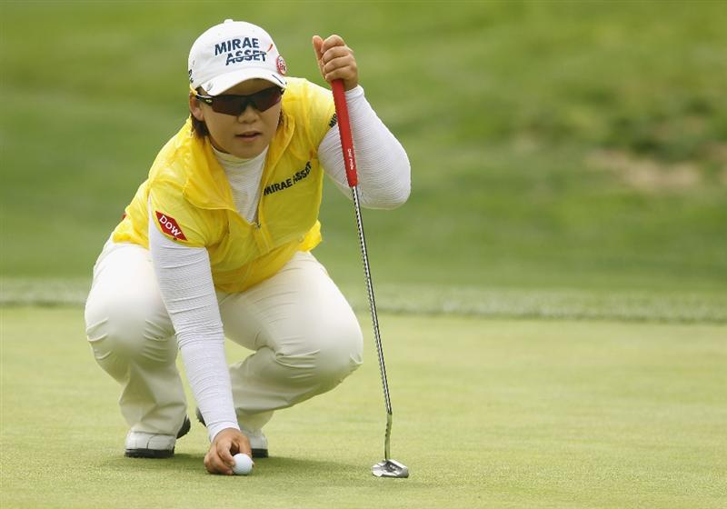 CITY OF INDUSTRY, CA - MARCH 26:  Jiyai Shin of South Korea lines up a putt on the third green during the third round of the Kia Classic on March 26, 2011 at the Industry Hills Golf Club in the City of Industry, California.  (Photo by Scott Halleran/Getty Images)