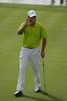 INDIAN WELLS, CA - NOVEMBER 25:  Stephen Ames celebrates after winning the PGA LG Skins Game on the 18th hole on November 25, 2007 at the Indian Wells Golf Resort in Indian Wells, California.  (Photo by Robert Laberge/Getty Images)