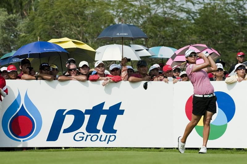 CHON BURI, THAILAND - FEBRUARY 20:  Yani Tseng of Taiwan tees off on the 11th hole during day four of the LPGA Thailand at Siam Country Club on February 20, 2011 in Chon Buri, Thailand.  (Photo by Victor Fraile/Getty Images)